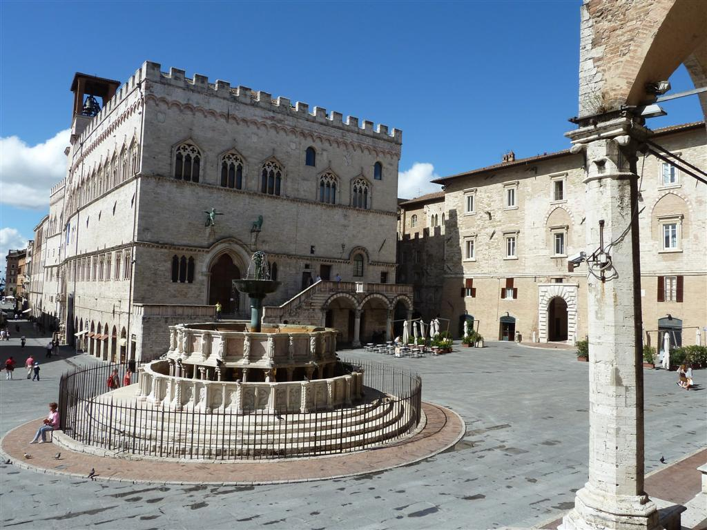 Fontana Maggiore Perugia - guida-definitiva-perugia-2022